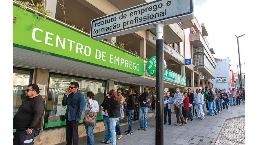 Desempregados já podem pedir novo apoio social
