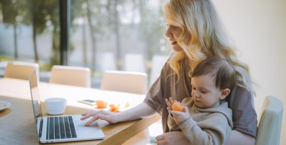 Como as pequenas empresas podem ajudar as mães trabalhadoras