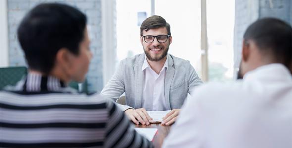 Dicas para se destacar na entrevista de emprego